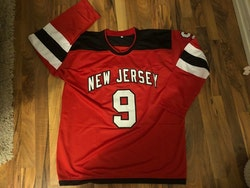 TAYLOR HALL - NEW JERSEY DEVILS - SIGNERAD TRÖJA MED COA