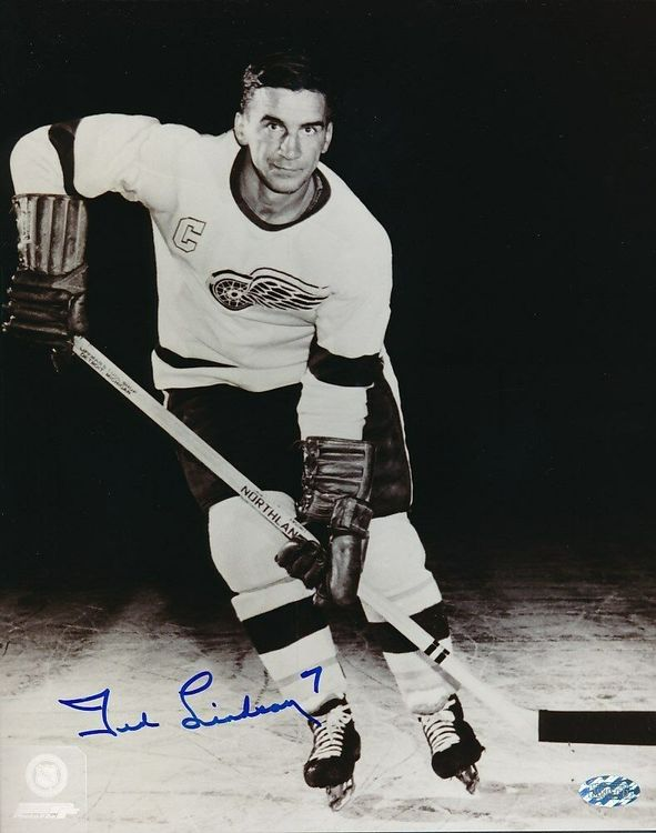 TED LINDSAY - DETROIT RED WINGS - SIGNERAT FOTO MED COA