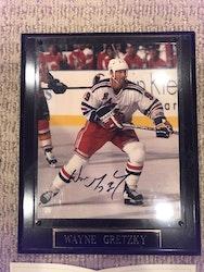 Wayne Gretzky Signed Plaque (w/ COA)