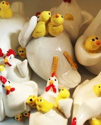Höna med kycklingar