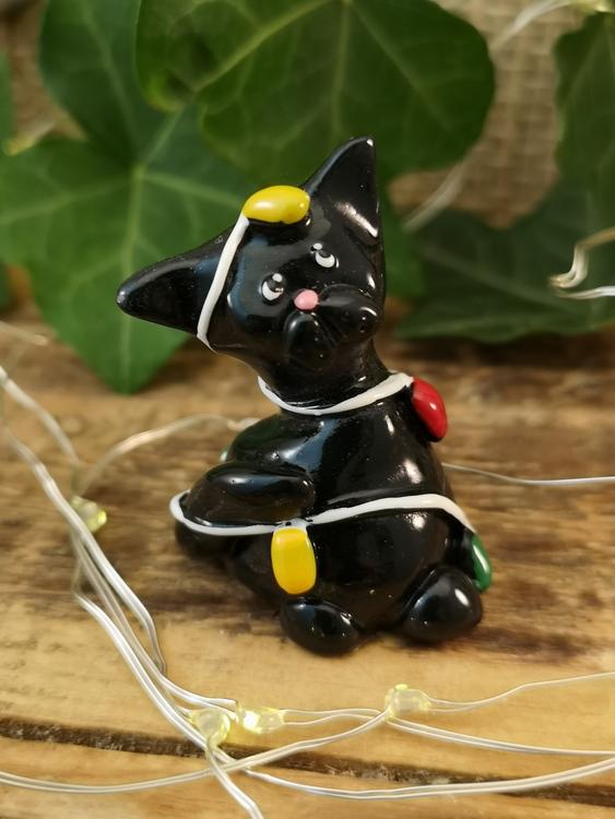 svart julkatt i polystone