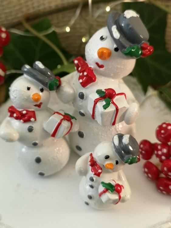 snögummor juldekorationer