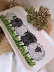 Avlång bricka med får