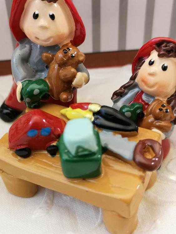 Nissar med leksaker