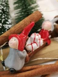 Tomtenissar med julklappar
