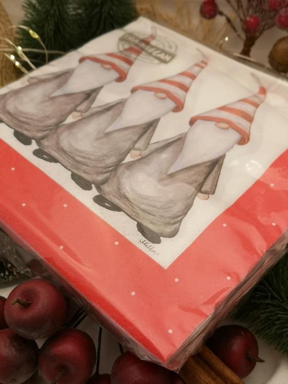 jultomtar på servetter