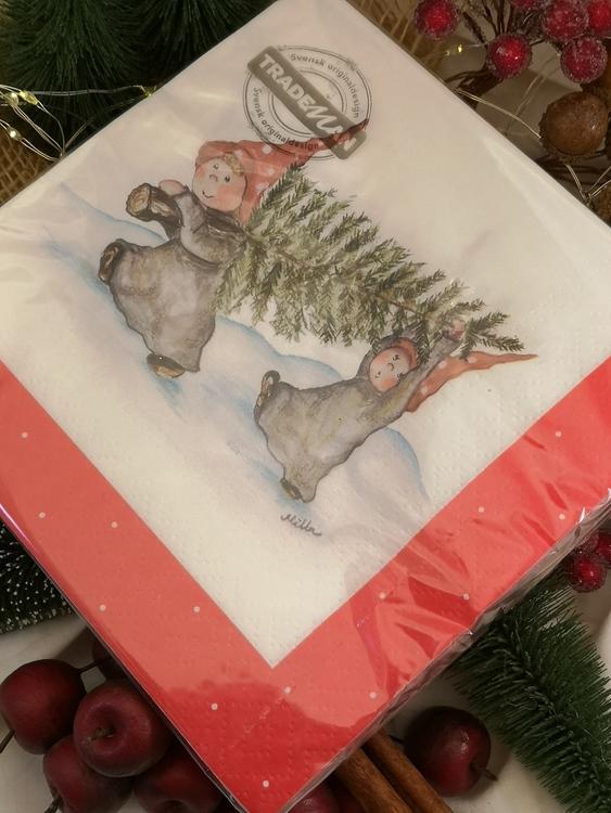 julgran och två tomtenissar på servetter