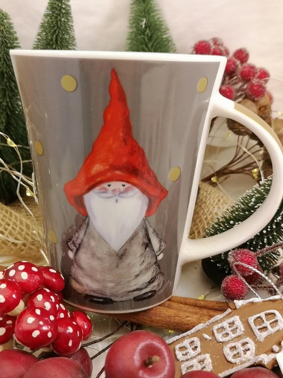 kaffe och temugg med jultomte