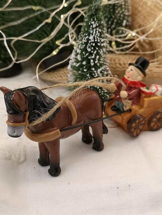 Julmarknad, häst och vagn