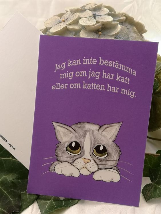 grå katt på lila bakgrund, vykort