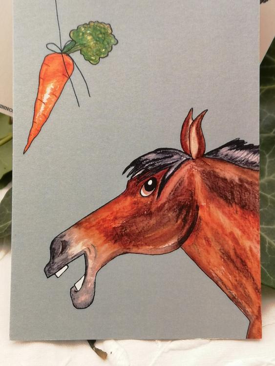 vykort med häst på blå bakgrund