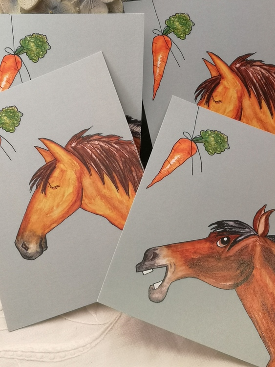 Vykort, häst med morot