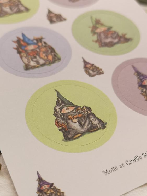 Stickers i lila och grönt