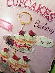 "Plåtskylt, ""Cupcakes"""