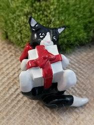 Katt med julklapp