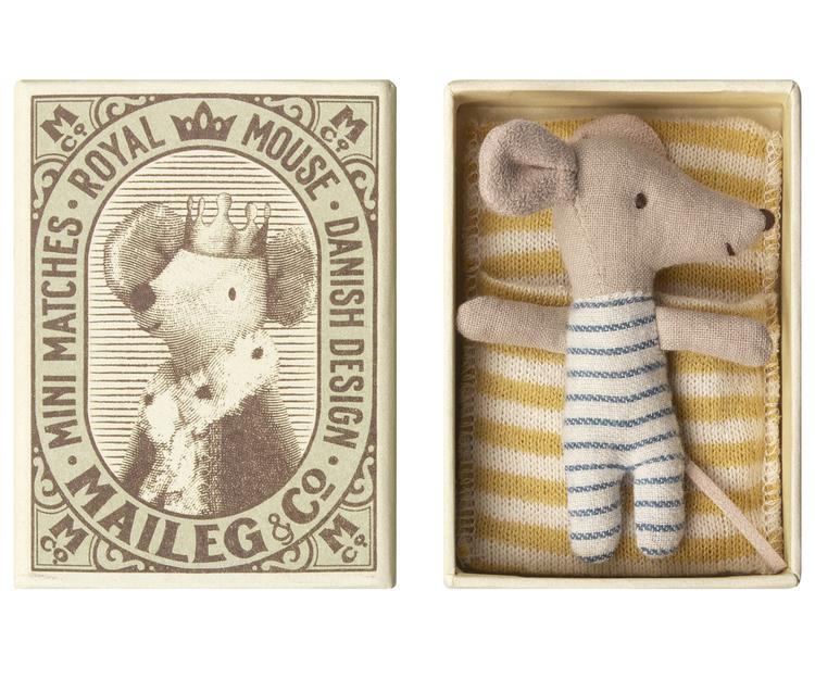 Babymus, Sovande/vaken i ask pojke, gulrandig sovsäck, Maileg