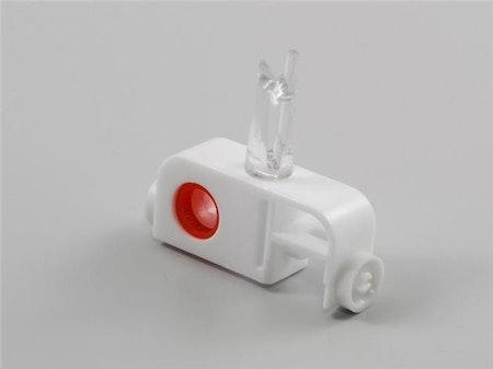 1 st Vagn röd med snäpin fäste för plastdistans