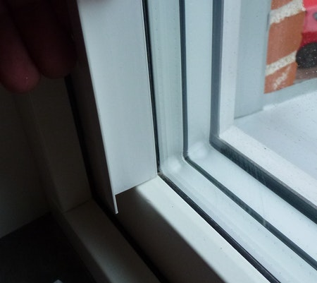 1 st / Sido-skena ALU Vit VINKLAD 30 x 20 mm med tejp (max 120 cm)