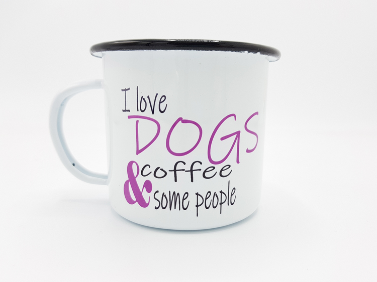 Emaljmugg med tryck 'I love dogs, coffee and some people'