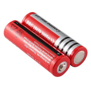 2 st Uppladdningsbara 18650 Batterier Ultrafire 3000 mA, 3,7 Volt