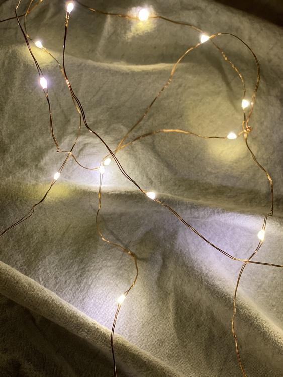 Ljusslinga på koppartråd