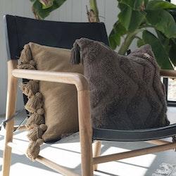 Cora Kuddfodral med tuftat mönster - Nougat