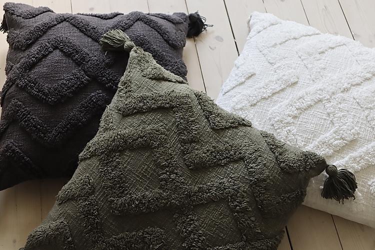 Cora Kuddfodral med tuftat mönster - Offwhite