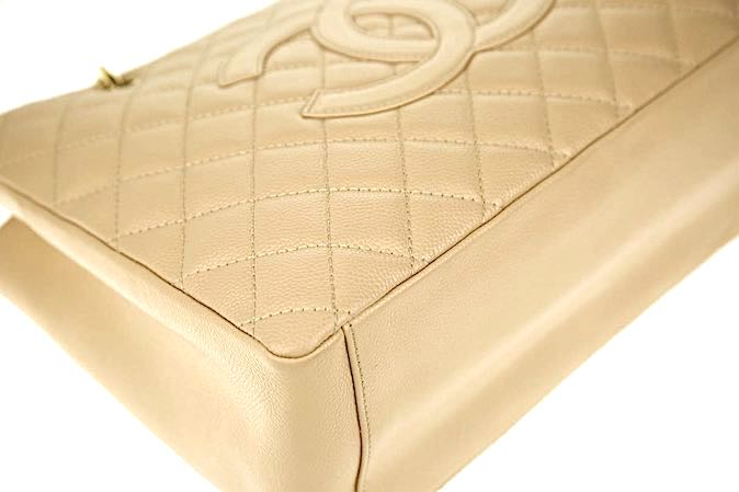 CHANEL Beige GRAND Caviar GST Väska