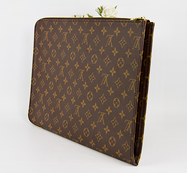 LOUIS VUITTON Pochette Dokument GM Monogram Canvas