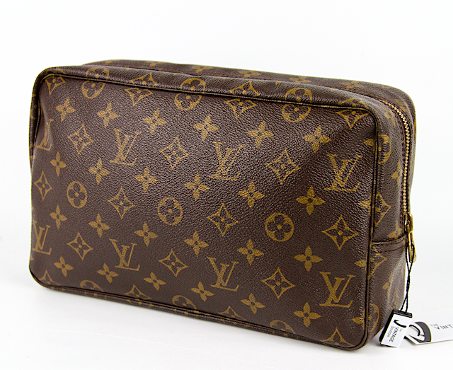 LOUIS VUITTON Trousse Toilette 28 Monogram Canvas