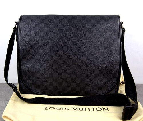 LOUIS VUITTON Damier Graphite DANIEL GM Messenger Väska