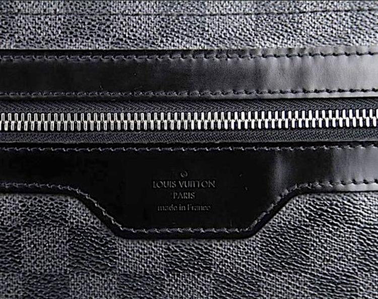LOUIS VUITTON Damier Graphite DANIEL GM Messenger Väska