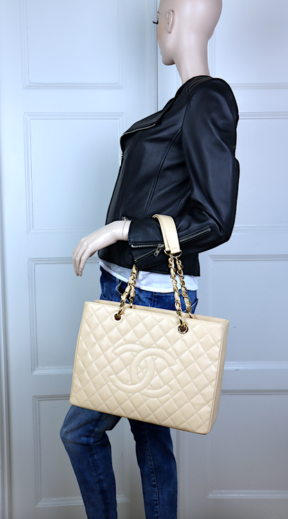 Chanel GST Grand Shopping Beige Kaviar Läder Väska