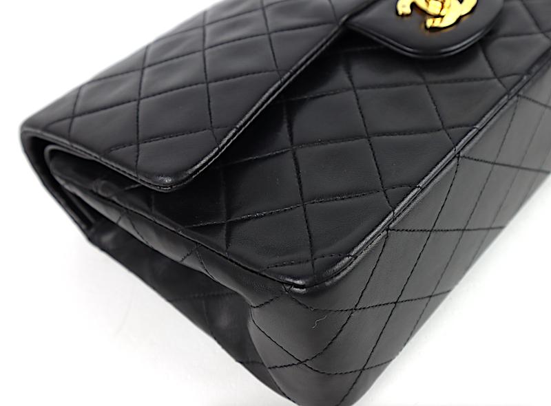 Chanel Classic Medium Double Flap Väska med Kort