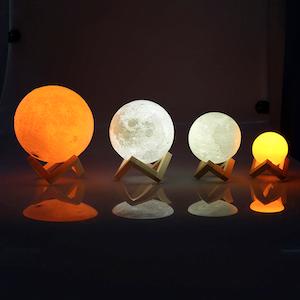 Månlampa (3D Moon LED lamp)