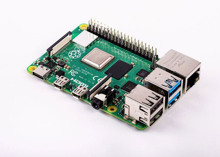 Raspberry Pi 4 Computer Model B 4GB with 3D Gesture & Tracking Shield