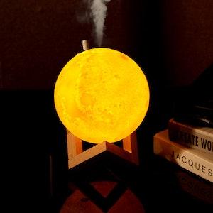 Månlampa med luftfuktare