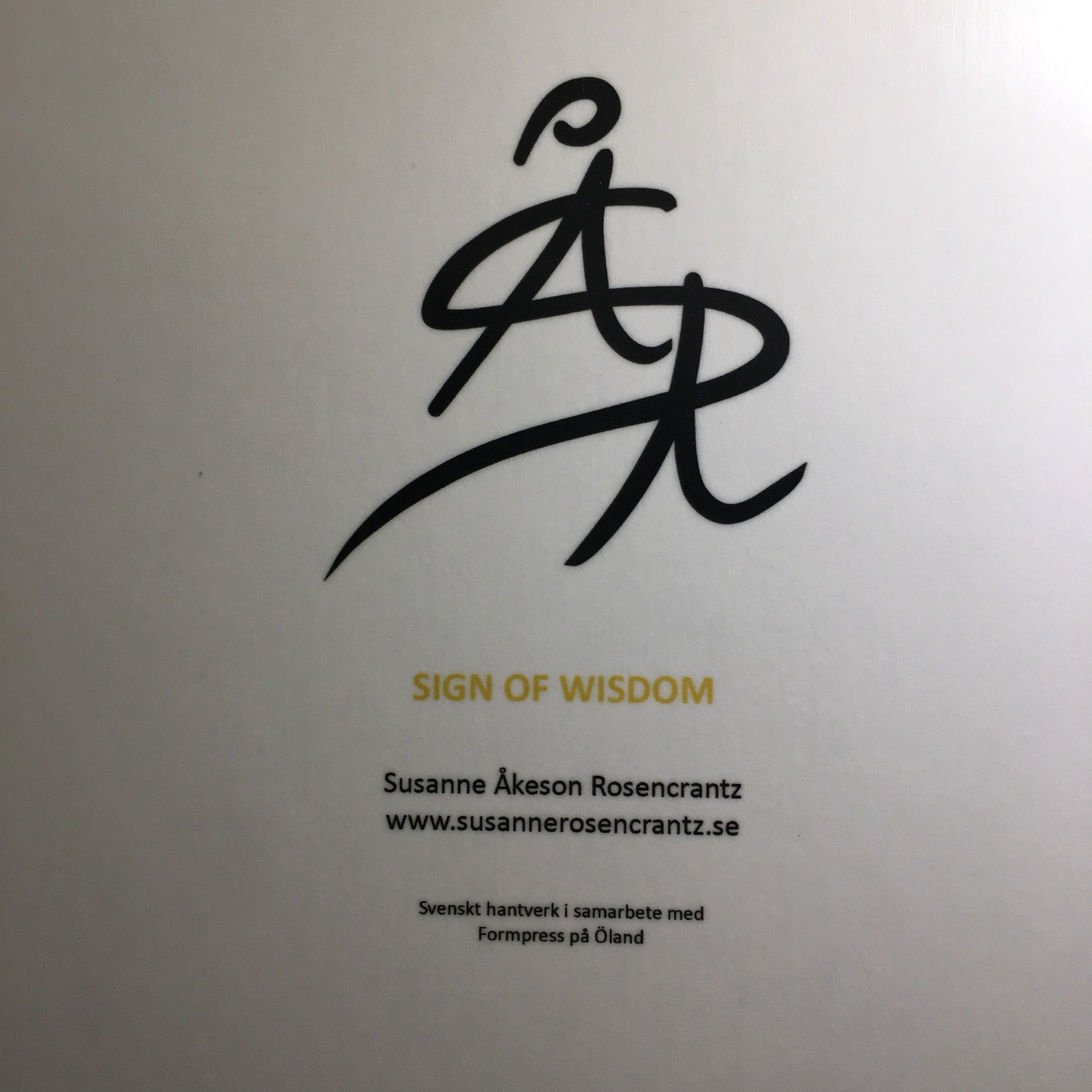 "Sign Of Wisdom ""Bricka 32x32 Cm"""