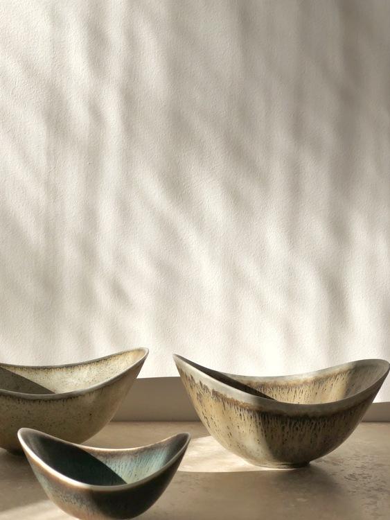 Gunnar Nylund trio Greige Biomorphic ARO Stoneware Bowls for Rörstrand