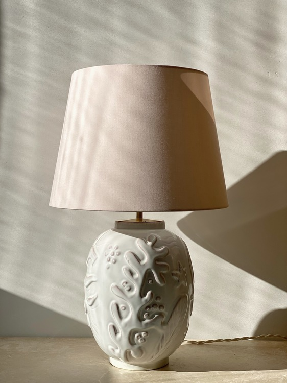 Anna-Lisa Thomson White Ceramic Table Lamp for Upsala-Ekeby. 1940s.