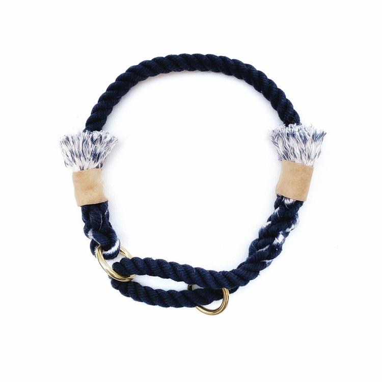 Hundhalsband av rep i blå färg
