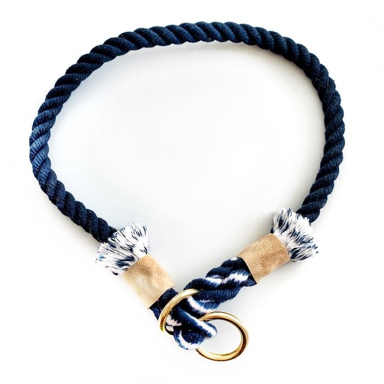 Hundhalsband i blå färg av bomullsrep