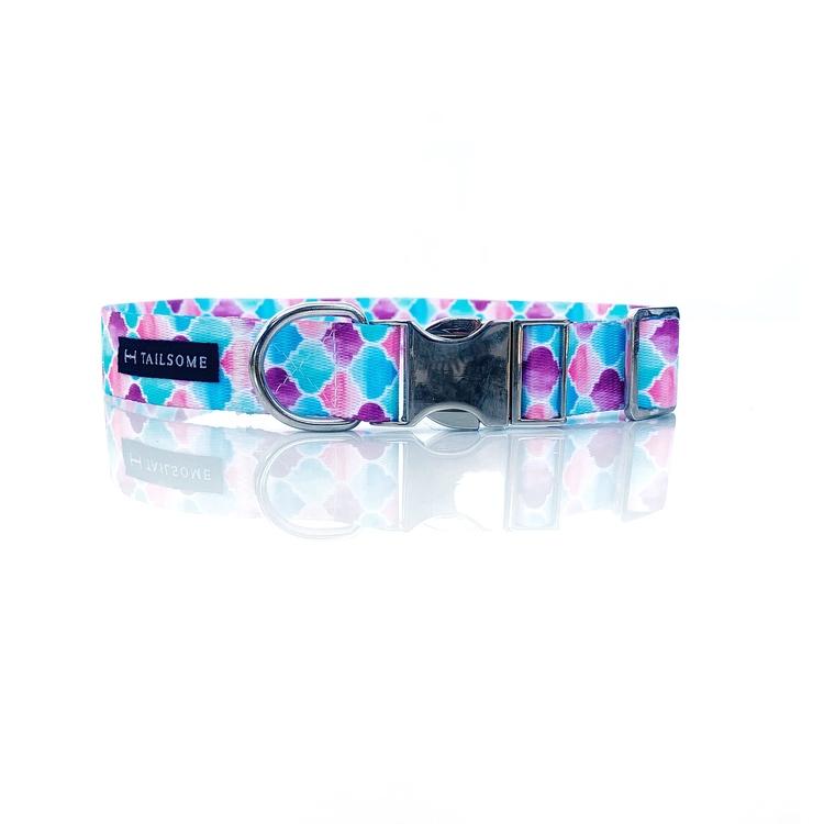 Hundhalsband med mönster i pastellfärg