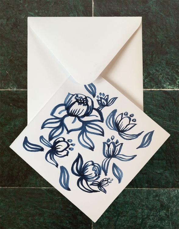 Handmålat kort blå blomma