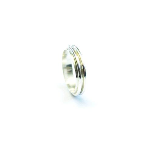 Ring av äkta silver