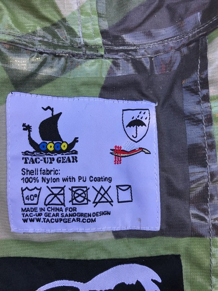 Inside label on a Tarp Poncho M90.