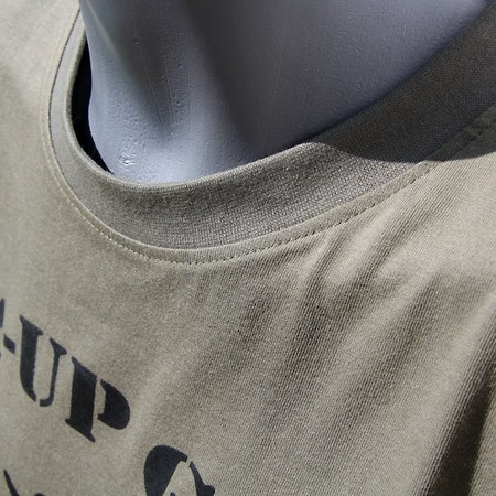 Neck close up of a T-Shirt Khaki Green TUG.