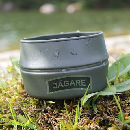 Full front product picture of a Folding Cup JÄGARE Green/Black/Green.