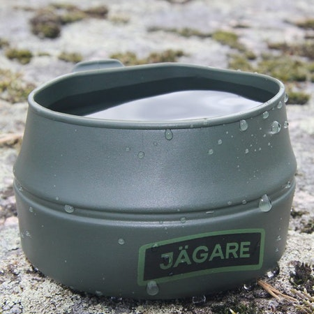Closer up picture of a Folding Cup JÄGARE Green/Black/Green.