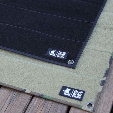 TUG Logolabels on the Kardborre Wall Mat Display Bundle.